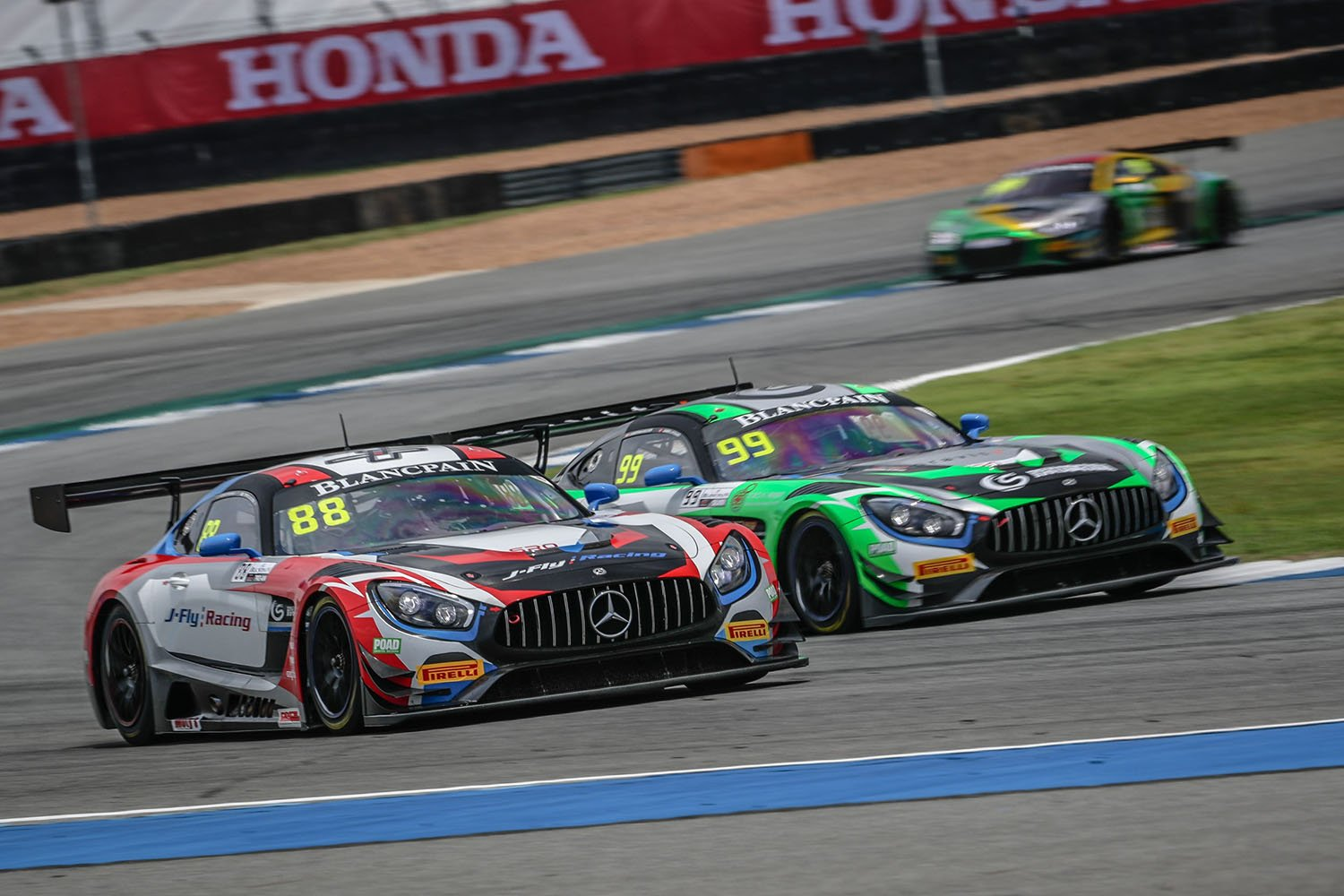 Craft-Bamboo Racing victorious in GT4, challenging weekend in GT3 despite two pole positions