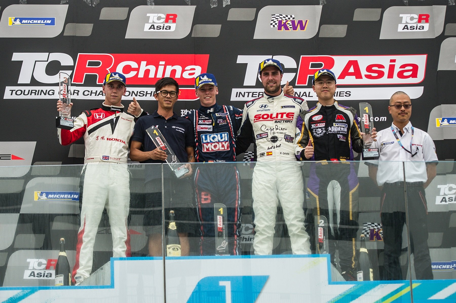 LIQUI MOLY Team Engstler maintains Championship lead with win and 4th at TCR Asia Round 3 in Zhuhai
