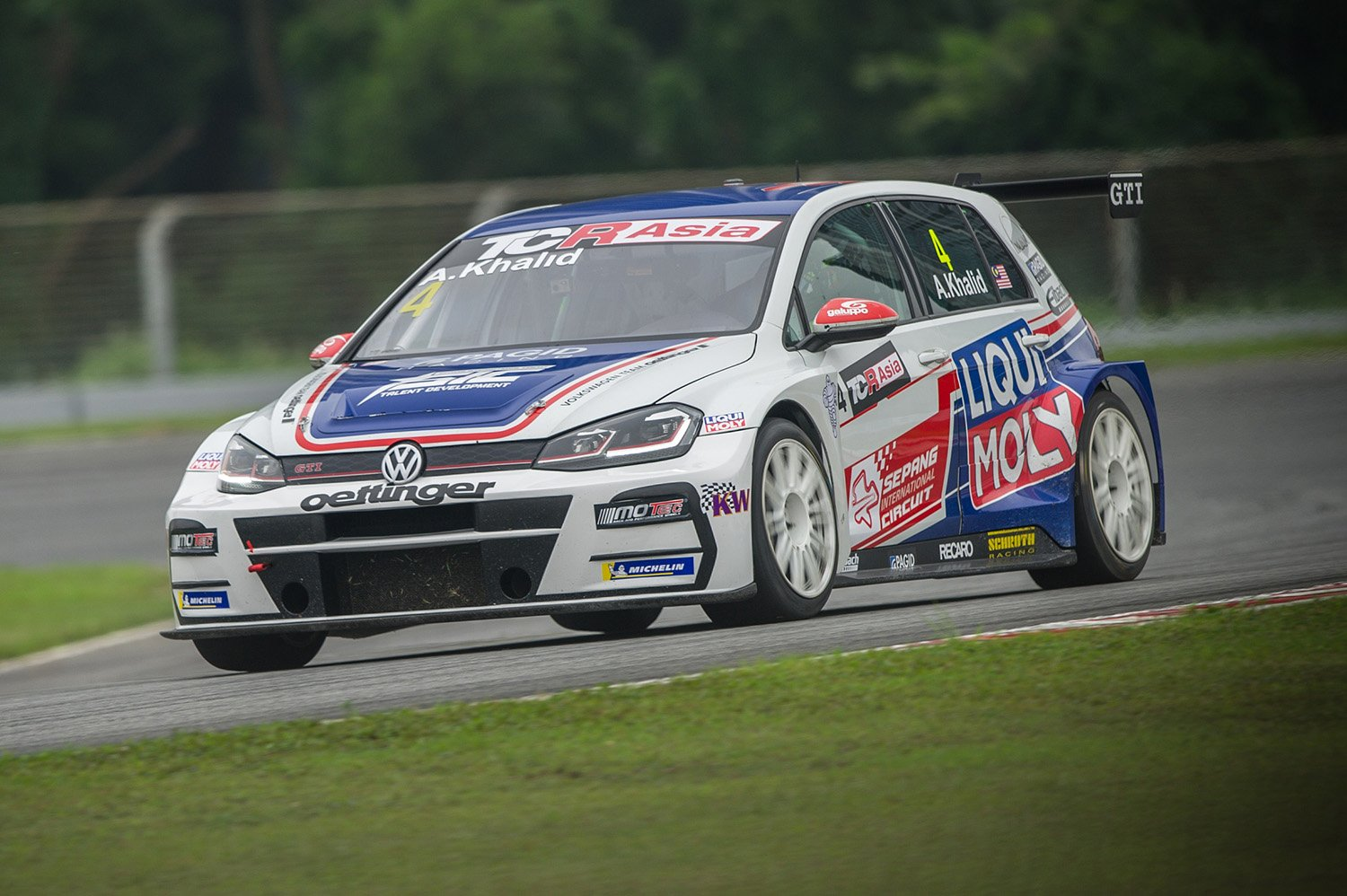 Second double podium weekend for Volkswagen Team Oettinger in Zhejiang