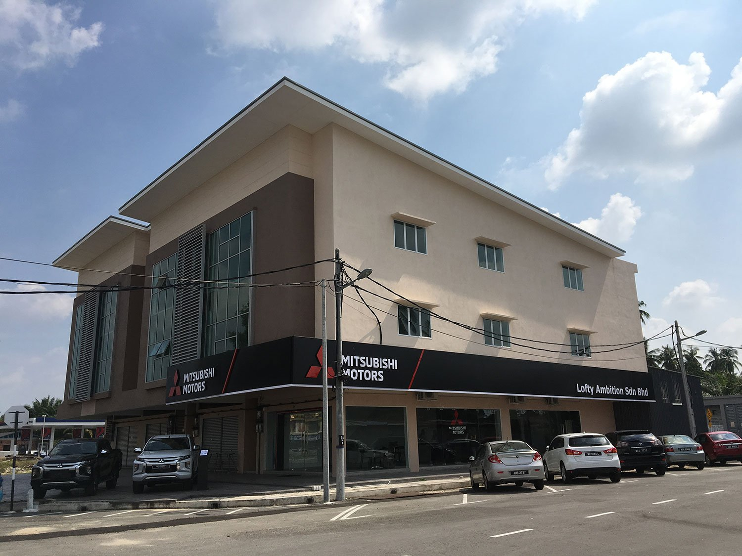 Mitsubishi Motors Opens New Showroom in Sitiawan, Perak